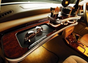 D.A.D Garson VIP Front Table - Toyota Crown/Majesta 17 Series